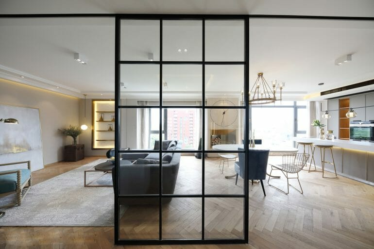 Steel glass partitions can move, separating corridor space and living common