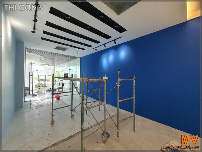 Construction of painting wall array hit the company meeting room