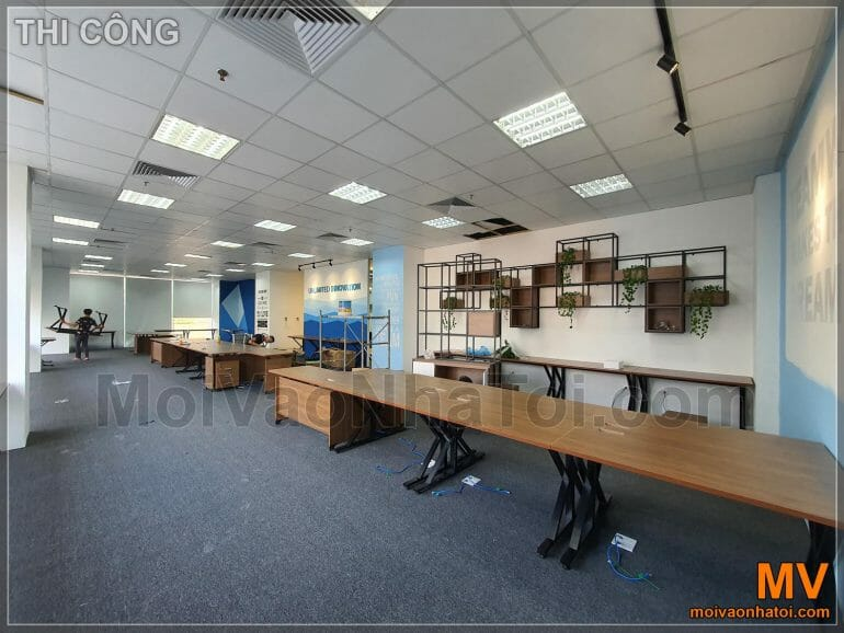 Furniture installation for office work