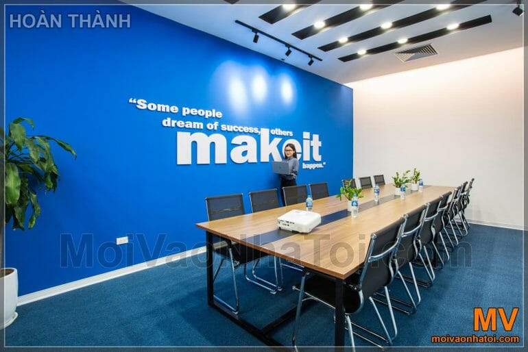 design and construction of corporate office meeting room